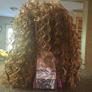Curly wig with stand & cap